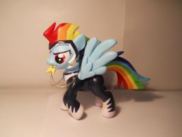 Zapp! (Rainbow Dash) by EarthenPony