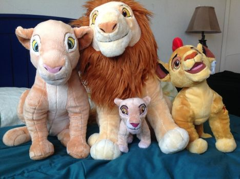 A Lion Guard family of plushies! by Se7J-r