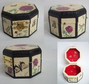 Swallowtail Box - For Sale by Elisto