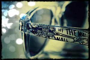 Vans off the wall by Beccaxz