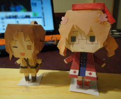 Fem!Canada and Fem!Italy papercraft by thelittleanimals
