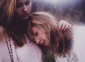 Whispers. by laura-makabresku