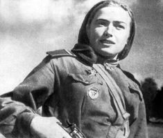 Russian female soldier v ww2 by UniformFan