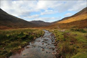 Towards Glen Nevis by tamaskatai