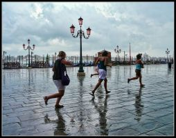 Sudden rain in Venice by kanes
