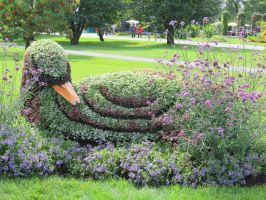 Mosaic Living Sculpture - Shy Swan by Kitteh-Pawz