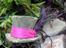 Green Swirl Top Hat with Pink Band by spaceraptor