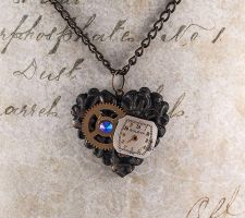 Steampunk heart necklace by skuggsida