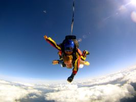 Skydiving 5 by Wigglesx
