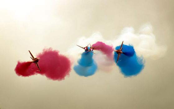 Red Arrows by woody1981
