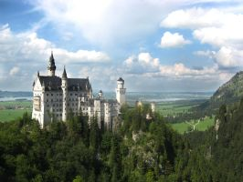 Neuschwanstein Castle by Guardstark