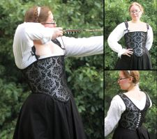 Steel-Boned Tudor Bodice by leechi-nut