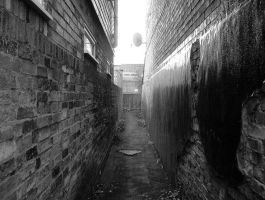Cambridge alleyway... by iangrahamimages