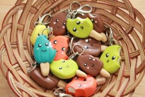 Ice Cream Keychains by theyarnbunny