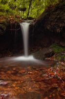 Little Waterfall by elariand