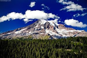 mt. rainier by stranj
