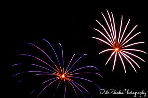 Fireworks 14 by DalePhotography