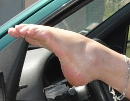 feet in car by clicouyou