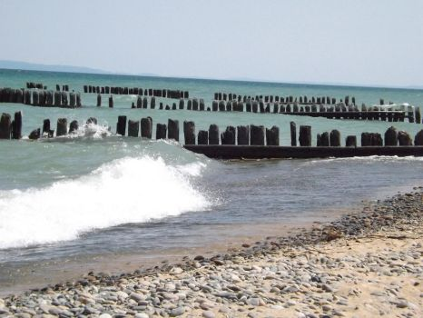 Ruined Docks in Paradise by Prussia-Hungary