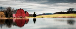 Red barn by CreativitytoLife