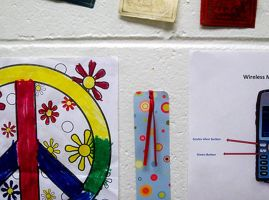 Peace Wall by Guilloten