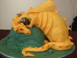 Golden dragon by Shoshannah84