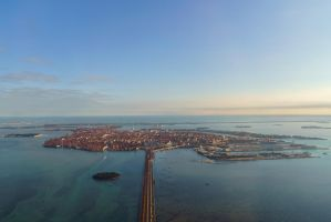 Descent to Venice by stefangrosjean