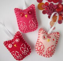 Valentines Owl Ornaments by lovarevolutionary