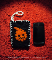 Craft: Soul Eater mobile phone pouch! by valurauta