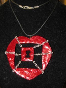Chained heart pendant by AnaInTheStars