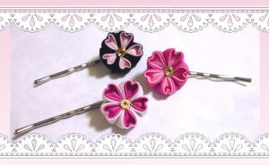 Small Sakura Bobby pins by EruwaedhielElleth