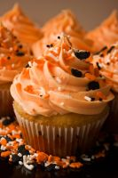 Halloween Cupcakes by silverspoken2005