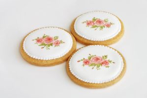 Painted rose cookies by Arrighi