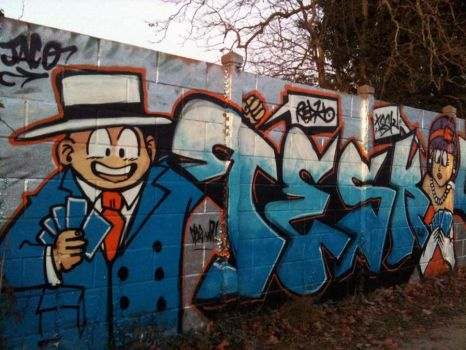 Tesk on Wall by dadouX