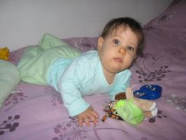 8 meses by chaangel