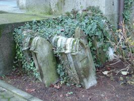 tradate cemetery 20031206.008 by ansiaaa