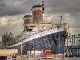 SS united states, time is running out. by 121199