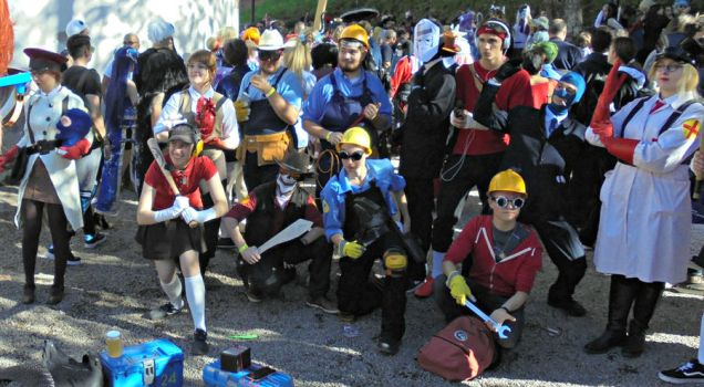 Team Fortress 2 cosplay group by Lynus-the-Porcupine