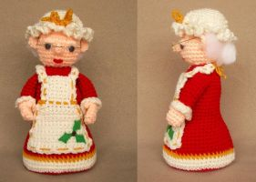 Mrs Claus Holiday Doll by W0IfDreamer