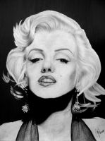 Marilyn Monroe by XxMondayMorningxX