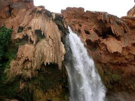 Havasu falls up close and personal by Evevilly