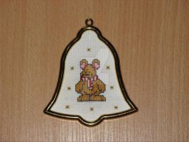 Cross stitch Christmas mouse by Enithien