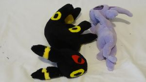 Espeon and Umbreon/Yin and Yang by CleverCrafts