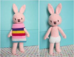 Pattern : Chaussette the amigurumi bunny by AnneKo