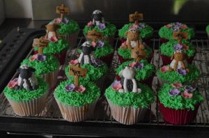 Sheepy cupcakes 1 by AsheryW