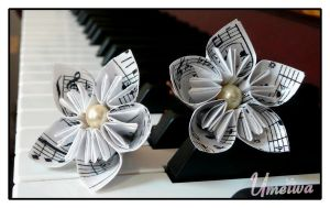 Paper Waltz Hair Clips by Umeiwa