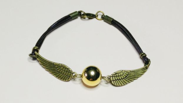 Harry Potter DIY: Golden Snitch bracelet tutorial by MarinaSchiffer