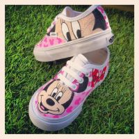 Minnie Mouse Vans by VeryBadThing