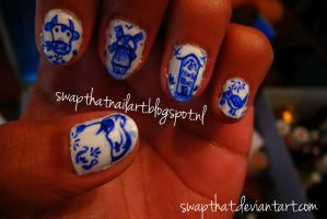 Delft Blauw Nails by swapthat