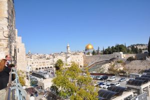 Observing the Temple Mount in JERUSALEM by Rikitza